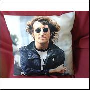 Capa Personalizada P/Almofada 40x40 Lennon